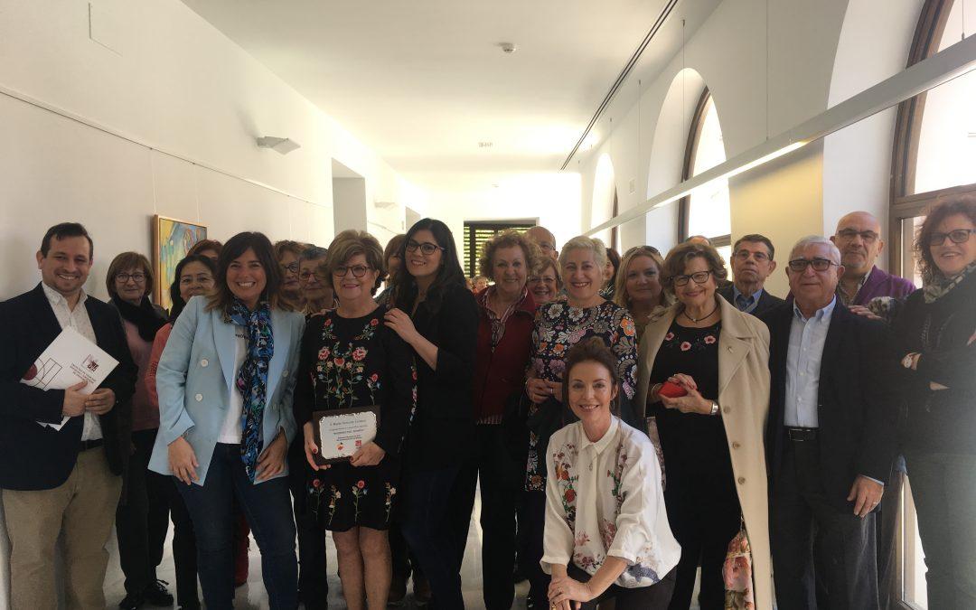 """La Biblioteca María Moliner acoge la exposición pictórica """"Mujeres del mundo"""", organizada por UMH"""