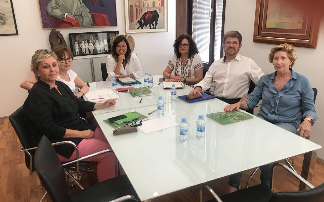 La comisión para la conmemoración del centenario de Agrasot comienza a organizar el gran homenaje al pintor oriolano
